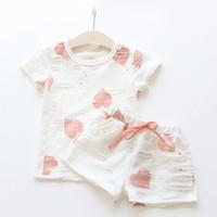 ingrosso la neonata in cima ai cuori-Baby Girls Clothes Sets 2018 Summer Heart Printed Girl Magliette a manica corta Camicie + Pantaloncini Casual Kids