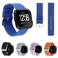 тканевые наручные часы оптовых-Тканые ткани ремешок w классическая металлическая пряжка для Fitbit Versa смотреть Band браслет ремешок для часов замена браслеты с разъемами