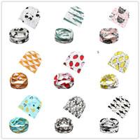 mädchen schal stil großhandel-Multi Arten Baby-Hut 2pc stellt Beanie + Ansatzwärmer 0-3 Jahre Jungenmädchen-Karikaturtierfrucht-Geometriemuster ein, die Baumwollbeanie-Schal drucken