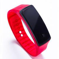 спортивные наручные часы оптовых-DHL девушка мальчик дети красочные спортивные светодиодные часы конфеты желе Мужчины Женщины силиконовая резина сенсорный экран цифровые часы браслет группа наручные часы