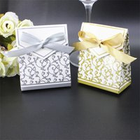 Wholesale print hot ribbon online - Creative Wedding Favor Boxes Golden Silver Ribbon Party Gift Candy Paper Bag Baby Shower Present Wrap Bags Hot Sale kt YY
