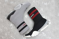Wholesale Crew Cotton Socks - 2018 New VETEMENTS SS CREW UNISES Sock Trainer Dropping RUNNING Shoes Socks Trainer Boots Left Right Unisex Casual Flat Socks Slip-on Boots