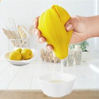 Wholesale mini hand juicer - DIY Fruit Lemon Juicer Yellow Mini Multi Function Silicone Hand Press Squeezer Kitchen Tool New Arrive 1 59yb C