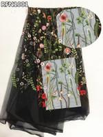 spitze bestickte hochzeitskleider großhandel-Afrikanische Spitze Stoff 2018 Blumen besticktem Tüll Stoff weiß Französisch Tüll Nigerian Stoffe für Hochzeitskleider RFN10