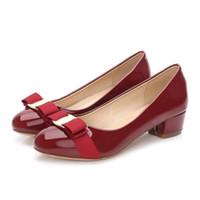 bombas de outono venda por atacado-Primavera \ outono moda bowknot sapatos femininos pele de carneiro bombas saltos baixos sapatos de couro salto grosso bombas do dedo do pé redondo tamanho 35-41