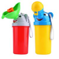 meninos de urinol meninos venda por atacado-Portátil Conveniente Viagem Do Bebê Urinol Crianças Potty Menina Menino Carro Sanita Do Veículo Mictório Urinal De Plástico Urinação