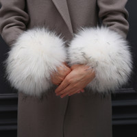 Wholesale wrist fur cuff resale online - Thick Women s Autumn Wrist Gloves Fashion Faux Fur Elastic Oversleeve Cuff Winter Warm Wristbands Sleeve Cuff Cover