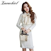 wolle rock kurze frauen großhandel-Runway White Tweed Wolle Rock Anzug 2018 Winter 2 Stück Set Frauen Diamanten Bow Button kurze Jacke Mantel + Quasten Bleistiftrock Set