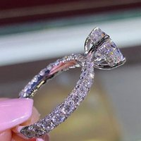 weiße rosafarbene prinzessin großhandel-FUNIQUE Rose Gold Weiß Kupfer Ringe Für Frauen Mode Zirkonia Prinzessin Ringe Hochzeit Verlobung 2018 Bijoux Ring Schmuck