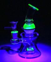 dicke mundgeblasene glasrohre großhandel-Uv Glass Material Glass Bongs 16cm Mundgeblasene dicke Basis Wasserpfeifen Schalengelenk 14.4mm Klopfen Rigs Glasbong Wasserpfeifen