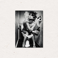 schnelle bilder großhandel-Toilette Sexy Frau Leinwanddrucke Mädchen Rauchen und Trinken Gemälde Bilder Poster