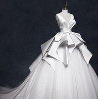 ingrosso nuova gonna per il vestito da cerimonia nuziale-Abiti da sposa eleganti a tinta unita con scollo a V e gonna a palloncino vintage Custom Made