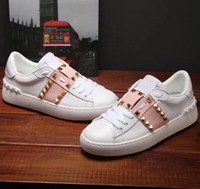 Wholesale women comfort leather shoes for sale - Group buy Fashion Designer shoes black white pink Comfort Girl Women Sneakers Leather Shoes Mons Casual luxury shoe size box