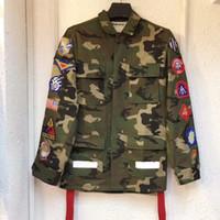 kamuflaj askeri gömlek toptan satış-Erkek ve kadın gömlek ceket kamuflaj madalya kurdela evrensel ok üniformaları erkekler ve kadınlar çift askeri ceket