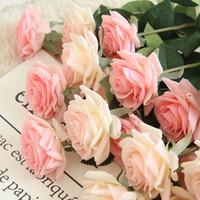 silikon düğün çiçekleri toptan satış-Gerçek Dokunmatik Şube Kök Lateks Gül El Hissettim Simülasyon Dekoratif Yapay Silikon Gül Çiçekler Ev Düğün