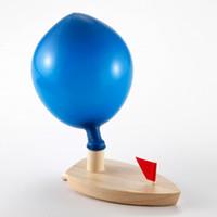 modelo de navio de barco de madeira venda por atacado-Balão Alimentado Barco De Madeira Brinquedos Do Bebê Na Água Barco de Simulação Brinquedo de Desenvolvimento Os Balões Do Navio Modelo Set 6ld W