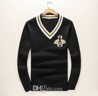 Wholesale Crochet T Shirt Color - 2018 Autumn And Winter New Brand For Cardigans Men Fashion V Collar Small Bee Printed Cashmere Sweater Pullover Designs Embroidery T Shirt