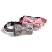 collar del gato corbata de lazo al por mayor-Collares de perro de nylon lindo ajustable durable del animal doméstico Collares de gato del perrito collar de cuello de pajarita Collar de perro con accesorios de perro de campana