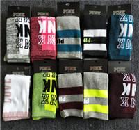 ingrosso tag bella-Le più nuove Love Pink Letters Scoks Lovely Socks Moda Donna Skateboard Lettera Scoks Moda Hip-hop Longe Calze calza con etichetta di carta