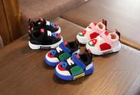 koreanische luftfrauen großhandel-Luftdurchlässige Mesh-Sportschuhe für Kinder Koreanische Version von Kleinkinderschuhen für Männer und Frauen mit weichen Sohlen und rutschfesten Babyschuhen