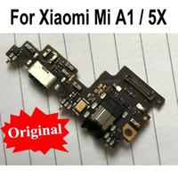 puerto usb pcb al por mayor-Original para Xiaomi Mi A1 MiA1 5X Cargador de carga USB Puerto Dock Conector Placa de circuito impreso PCB Cable flexible con audio para auriculares