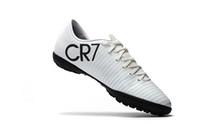 808d9aaf955 Niedrige weiße schwarze CR7 100% ursprüngliche Fußball-Bügel Mercuric-Sieg  VI TF IN Innenfußball beschuht Rasen Cristiano Ronaldo Fußball-Stiefel