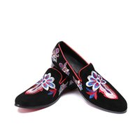 ingrosso fiori degli uomini-New Style Flower Embroidery Black Men Mocassini Wedding and Party Men Dress Shoes Moda Appartamenti da uomo