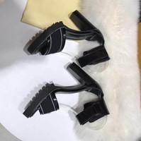 toka askısı topuklu topuk platformu toptan satış-Yeni 2019 Kadın Inek Deri Yüksek Topuk Sandalet Lady deri Toka Askı Kauçuk Taban Tıknaz Topuk Sandal Kutusu Ile