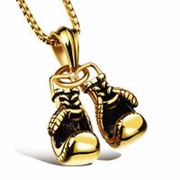 ingrosso guanti da boxe collane-Gioielli moda oro / nero / argento colore doppio guanto boxe pendente uomini collana boxe pendenti in acciaio inox collane per gli uomini