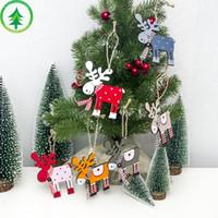 ingrosso pittura d'alce-Eco-friendly decorazione dell'albero di Natale in legno verniciato Elk Xmas Party Ciondolo Decor Deer pendenti di decorazione di Natale per la casa 10 * 9cm