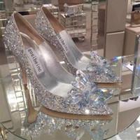 chaussures de mariée talon plat achat en gros de-Cristal de talon scintillant chaussures de mariage pour la mariée perlée Designer de luxe talons Cendrillon Escarpins à bout pointu strass Chaussures de mariée