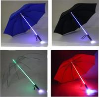 ingrosso i bambini guidavano ombrelloni-Creativo LED Light Ombrello che cambia colore LED Luminoso trasparente Ombrello Pioggia Bambini Donne con torcia elettrica per gli amici Miglior regalo