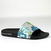 Wholesale womens flower flat sandals - fashion blue flower blooms slide sandals flip flops mens and womens outdoor beach rubber flat slippers