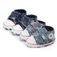 yeni doğmuş bebek kot pantolon toptan satış-Sonbahar Eski Stil Bebek Erkek Ayakkabı Tuval Denim Kot Yenidoğan Spor Sneakers Rahat kaymaz Yumuşak Taban Bebek Ayakkabı S68