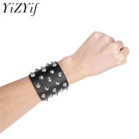 шипы оптовых-YiZYiF искусственная кожа готический браслет регулируемый черный металл шипованных панк мода рок байкер широкий ремешок кожаный браслет