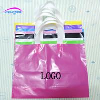 kıyafetler için plastik ambalaj çantası toptan satış-Özel baskı logosu hediye plastik torba, kolu ambalaj çanta / alışveriş çantaları için giyim 40x30 + 10 cm
