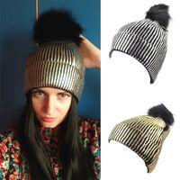 en güzel kürkler toptan satış-Eğilim Yaldız Örme Kap Narin Sıcak Kulak Koruma Kürk Poms Beanie Adam Ve Kadınlar Tasarımcı Ince Çizgili Şapka Yeni Stil 12 8yh Ww