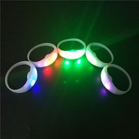 Wholesale Glowing Rings Sticks - Custom Remote Control LED Flashing Bracelet, Silicone LED Light Wristband Club Party Concert Bar Cheer Luminous Hand Ring Glow Stick