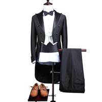 jaqueta de tailcoat branco mens venda por atacado-Clássico smoking Homens terno terno smoking Tailcoat Dança Trajes Blaser Masculino Mens Swallowtail com White Vest