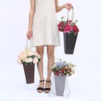ingrosso bouquet di fiori neri-Contenitore di imballaggio di forma del secchio del popcorn con la corda dell'ascensore Contenitori di regalo del fiore di carta Contenitore di profumo di Floris Rosa nero 4 8zg B