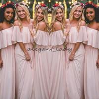 böhmische stil prom kleider großhandel-2018 Neueste Blush Pink Bohemian-Style Brautjungfernkleider Sexy Geraffte Schulterfrei Chiffon Lange Abendkleider Hübsches Partykleid Für Hochzeit