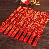 ingrosso regali di doppia felicità cinese-Bacchette cinesi rosse di legno di design classico doppia felicità e bacchette di nozze del drago favoriscono con il sacchetto del regalo