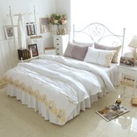 Wholesale Princess Quilt Set - White Princess Bedding Sets Gold Lace Crown Embroidered Bedclothes Bed Skirt 100% Cotton Girls Quilt Cover Set King Queen Plus