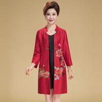 chemise en soie chinoise traditionnelle achat en gros de-Le manteau de satin de soie traditionnel chinois Tang Suit tops broderie bouton manuel col long chemisier chemisier chinois Qipao Shirt pour les femmes