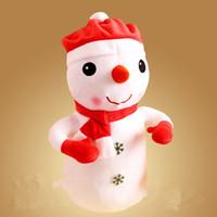 plush snowman großhandel-Weihnachtsmann Plüschtier Schneemann Weihnachten Elch warme Hände decken Kissen Kinder und Mädchen Geschenke