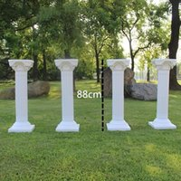 ingrosso pillars props-European Style Hollow Artificial Roman Columns White Plastic Pillars Road Cited Wedding Puntelli Decorazioni per eventi