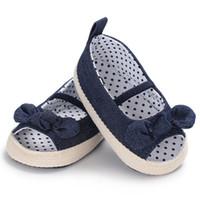 polka dot säugling weichen schuhe großhandel-Baby Mädchen Prinzessin Schuhe Säuglingskleinkind Krippe Kinder Erste Wanderer Polka Dot Bogen Weichbesohlte Rutschfeste Schuhe