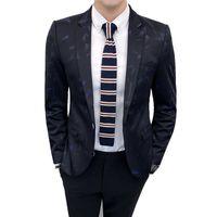 coreano casual blazers para homens venda por atacado-TFETTERS Outono Estilo Coreano Mens Blazers Padrão Impresso Casual Um Botão De Casamento Slim Fit Elegante Blazers para Homens
