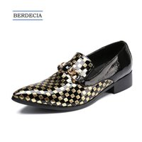 oro italiano para hombres al por mayor-2018 Luxury Gold Plaid Men Shoes Plus Size cuero genuino Wedding Prom Men Dress Shoes Italian Business Formal Shoes Plus Size 38-47