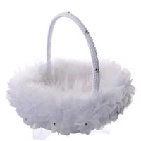 beyaz tüy aksesuarları toptan satış-Beyaz Devekuşu Tüyü Çiçek Kız Basket Zarif Yuvarlak Ipek Çiçek Sepeti Düğün Düğün Aksesuar Yanadır Yeni